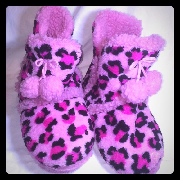 Girls Pink Leopard Print Slippers